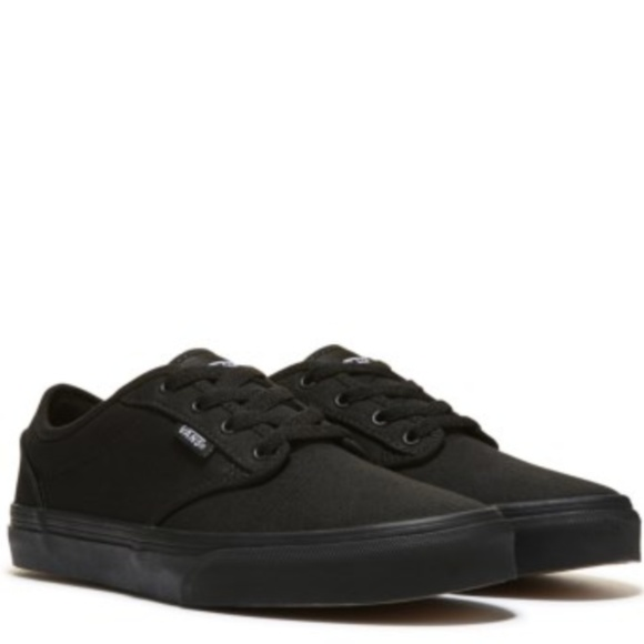 8a2f43ef6ff37e ✨NWOB✨ Vans Low Top Blackout All Black Sneakers